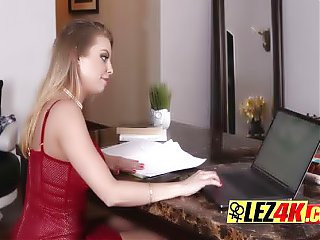 Mind blowing blonde lesbians pussy eating