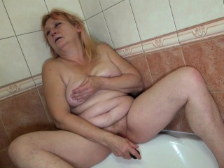 OldNannY Mature Bernadett Fucked With Strapon